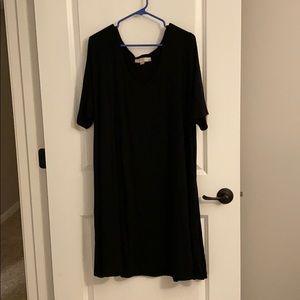 LOFT PLUS simple black dress with elbow sleeves